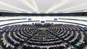 Le Parlement européen adopte une directive sur la protection des personnes qui signalent des violations du droit de l'Union
