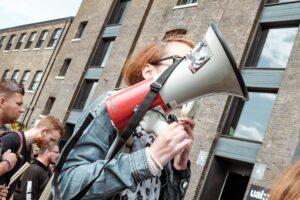 17 associations et syndicats créent la Maison des Lanceurs d'Alerte