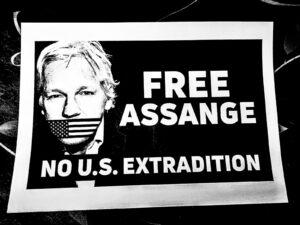 Procès de Julian Assange: la Maison des Lanceurs d'Alerte réitère sa demande d'asile pour le fondateur de WikiLeaks
